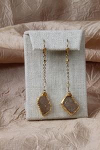 Long agate pendant earrings