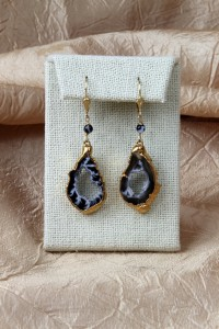Small gold geode earrings