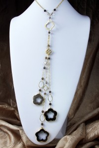Agate flower fantasy lariat on gold chain