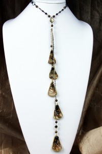 Brown mother of pearl teardrops gold chain lariat