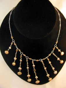 Chandelier pearl necklace champagne