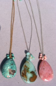 Drop pendants on chain